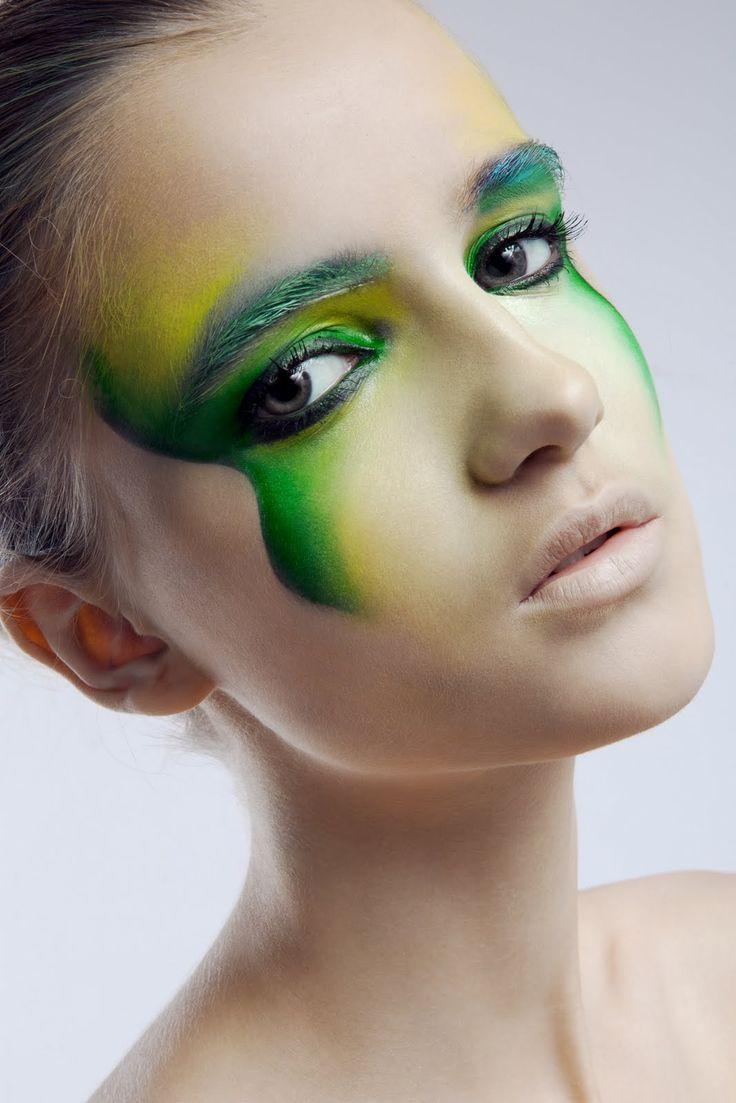 Yellow eye makeup