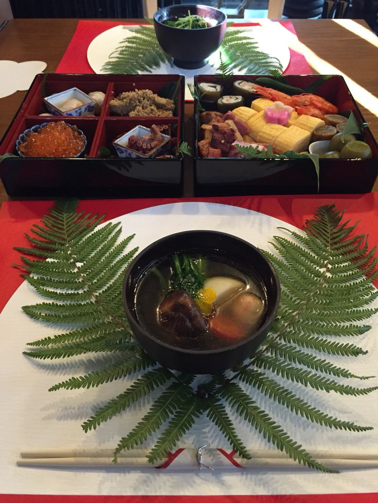 """Happy new year✨✨✨  Traditional Japanese food""""Osechi"""" and """"Ozouni"""""""