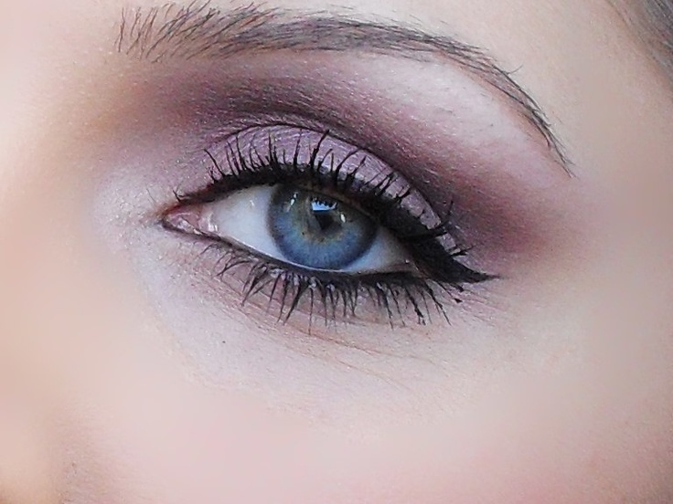 purple smoky eye, simple wedding make-up
