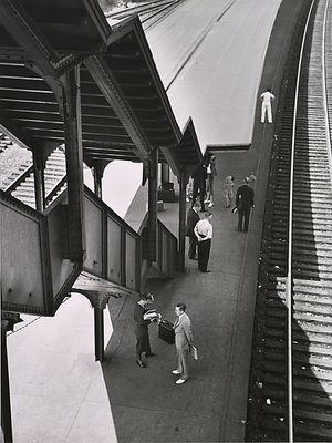 André Kertész, Poughkeepsie, New York, 1937.  Learn Fine Art Photography - https://www.udemy.com/fine-art-photography/?couponCode=Pinterest10