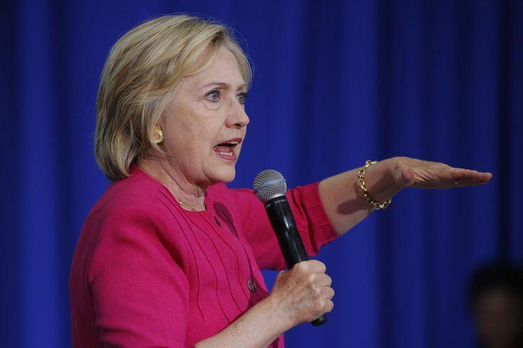 Trump saca de las sombras a grupos de odio, acusa Clinton