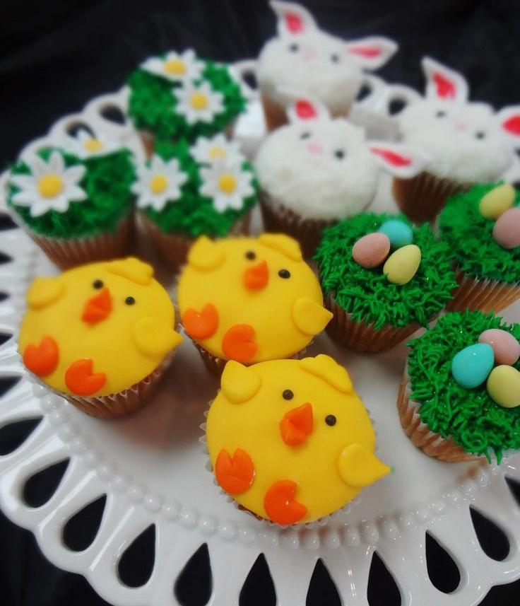 super cute Easter cupcakes!  www.cakeaters.com