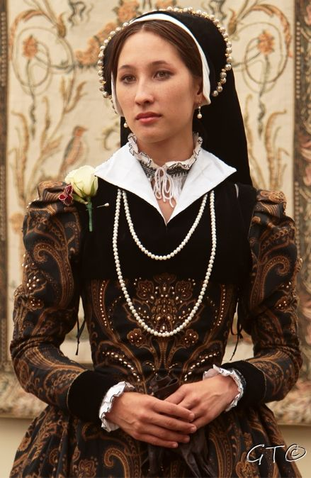 Mid-period Tudor - Modified French Hood - Partlet (Shrug) with contrast collar - Taper to wrist sleeves - Blackwork smock with ruffle collar