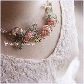 今年の一番乗りのバラ。の画像:タティングレース便り ~アトリエ さかみち~