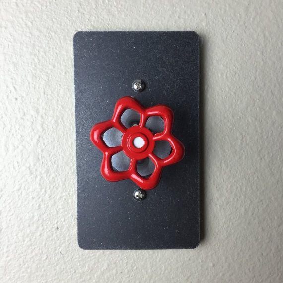 Couverture décorative de l'interrupteur gradateur avec poignée de tuyau de jardin (arrosage). Entièrement fonctionnel Unique éclairage rustique Decor.