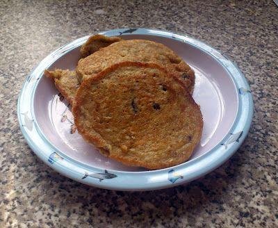 Recipe: Apple, Oat & Raisin Pancakes. Nom nom nom!