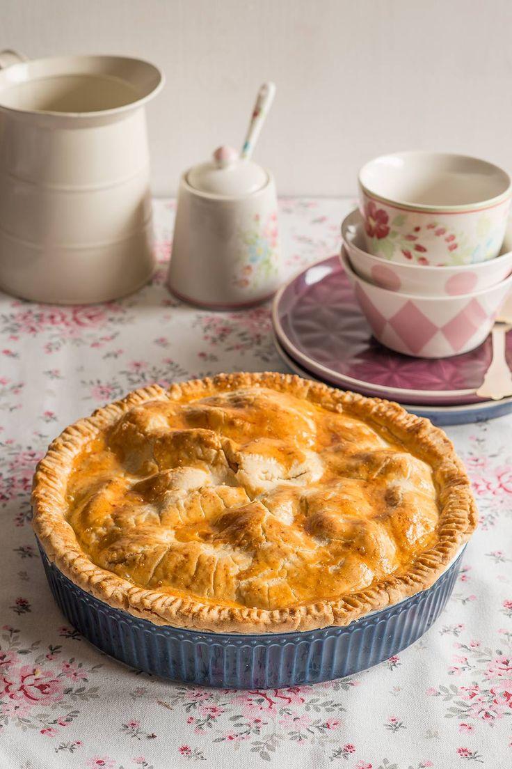 Apple Pie en fuente de cerámica, de GreenGate Hoy os traemos la receta de apple pie, esa tarta de manzana que estamos hartos de ver en las películas norteamericanas. Es muy fácil de hacer y, como cualquier postre con manzana, ¡está deliciosa! Esta apple pie...
