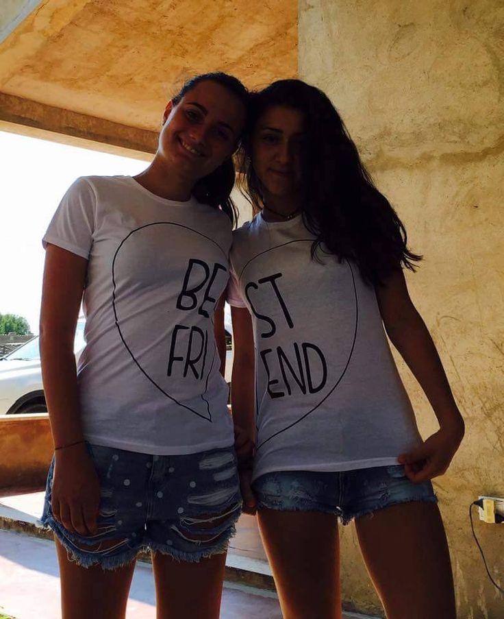 Cerchi un regalo per la migliore amica o il miglior amico? Sorprendilo con un regalo speciale che gli dimostri quanto ti completi!  Un simbolo indelebile della vostra complicità! Le nostre T Shirt di coppia sono un regalo perfetto per qualsiasi ricorrenza o per tutte le volte che hai voglia di fare un regalo originale! clicca su www.babloo.it  #babloogadget #tshirtbestfriends  #youandme #love #sweet #cool  #shop  #adorable  #beautiful #friend #followme