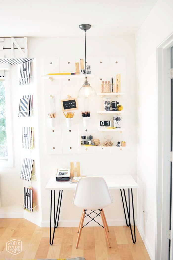 mid century modern kids space…the big reveal…Destination Nursery modern kids room makeover WINNER #5 via momsbestnetwork.com
