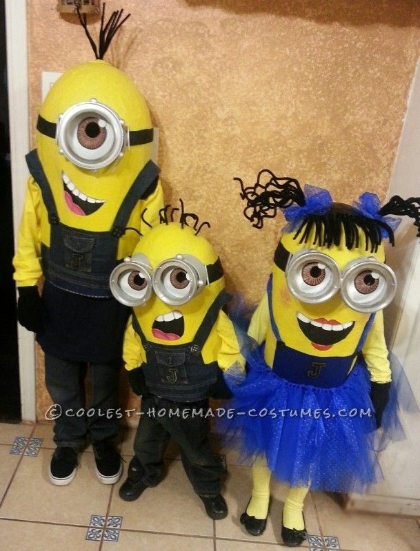 Homemade Despicable Me Minions Family Costumes for 2015 Halloween - Dad, Mom, Kid