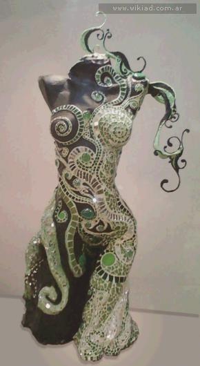 Half Steampunk, half Borg (star trek)Cursos de Mosaiquismo - Liliana waisman :: wikiad.com.ar