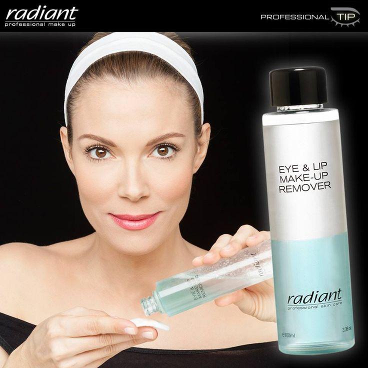 Eye & Lip Make Up Remover | Radiant Professional Make Up Tip για να αφαιρέσετε τη μάσκαρα χωρίς να ταλαιπωρείτε τις βλεφαρίδες σας με το Eye & Lip Make Up Remover: χρησιμοποιήστε το βαμβάκι ακριβώς με την φορά που βάζετε το μάσκαρα. #Radiant #Professional #makeup #remover