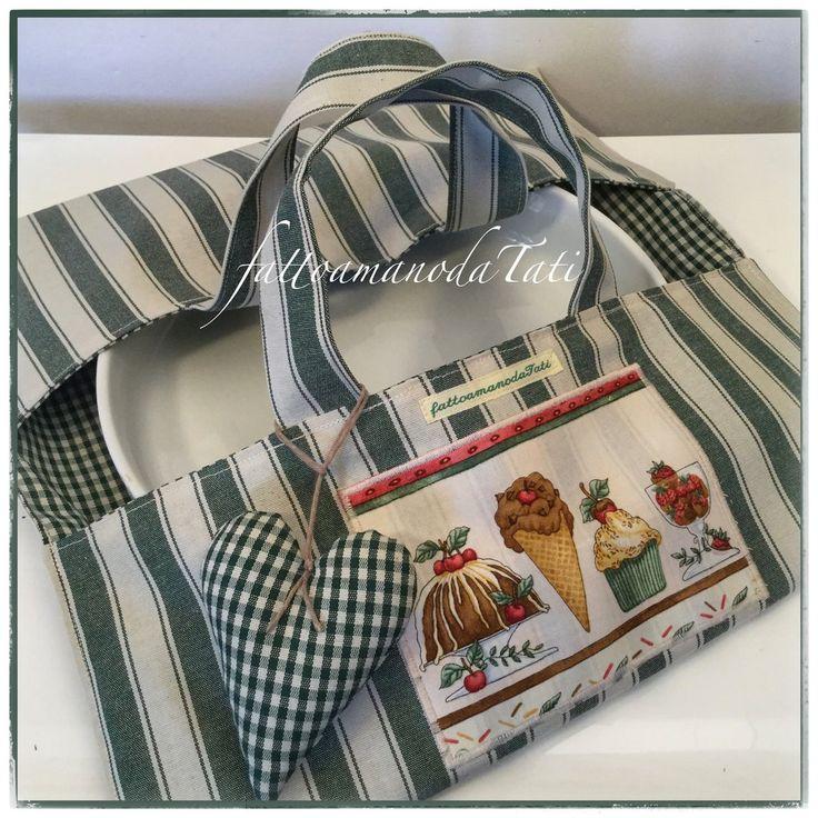 Porta torte in cotone a righe e a quadretti verdi con cuore imbottito e appliquè dolcetti, by fattoamanodaTati
