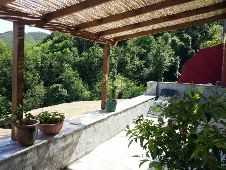 Prachtig gelegen tussen de bloemenriviera en Toscane, te midden van de vele middeleeuwse dorpjes vindt u Localita Fraseneggi. Fraseneggi is een rustiek landhuis met zwembad en 5 sfeervolle g...