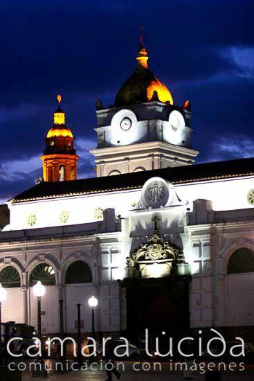 SAN JUAN DE PASTO, NARIÑO, COLOMBIA | Catedral de San Juan de Pasto. Banco de Imágenes Cámara Lúcida. Tevi en la ciudad. Tomada el 12 de julio, 2011. ( IPITIMES.COM ® en PINTEREST).