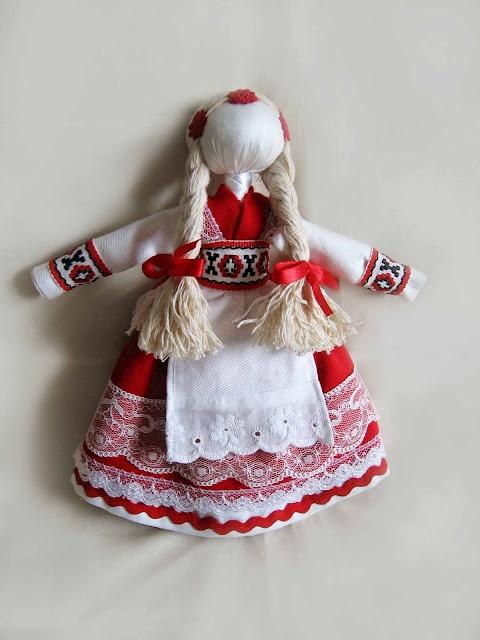 motanka (Ukrainian folk doll)
