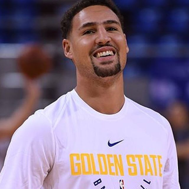 I JUST HAD A REALLY FUCKING SHITTY DAY BUT IT GOT BETTER SO QUICK IM SO HAPPY  —  #klaythompson#stephencurry#gsw#goldenstate#goldenstatewarriors#klaygonnaslay#stephgonnasteph#oraclearena#11#30#splashbros#splashbrothers#2015Nbachampions#2017nbachampions #nba#basketball#summer#klaygonnaklay#happy#thisiswhyweplay#nice#throwback#goat#happy#king#califonia#oakland#followtrain#dubnation