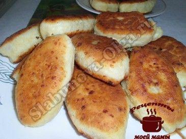 Жареные пирожки из творожного теста с начинкой