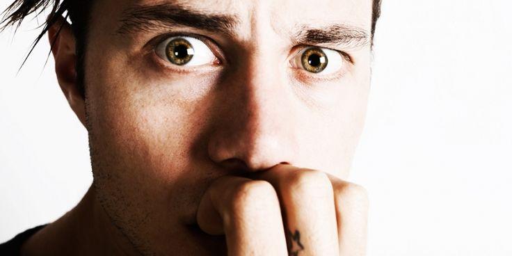 Ben jij één van de 2 miljoen Nederlanders die op volwassen leeftijd nog nagels bijt? Men's Health zocht uit wat de oorzaken van het dwangmatige kluiv...