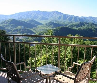 Condo 404 - Take a seat, stretch out and make yourself at home in this relaxing Gatlinburg condo!
