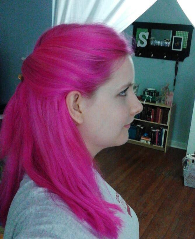 Hallie with hot pink hair. N'Rage Feisty Fuschia dye ... - photo #42