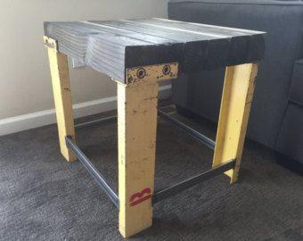 Industrial Wood and Pipe End Table/Rustic от BCIndustrialTreasure