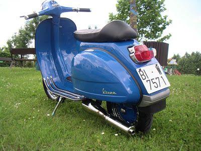 V Classics Motorcycles: Vespa 200 DS Azul