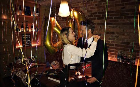 ブレイク・ライブリー、ライアン・レイノルズの40歳の誕生日を恋に落ちたレストランでお祝い❤