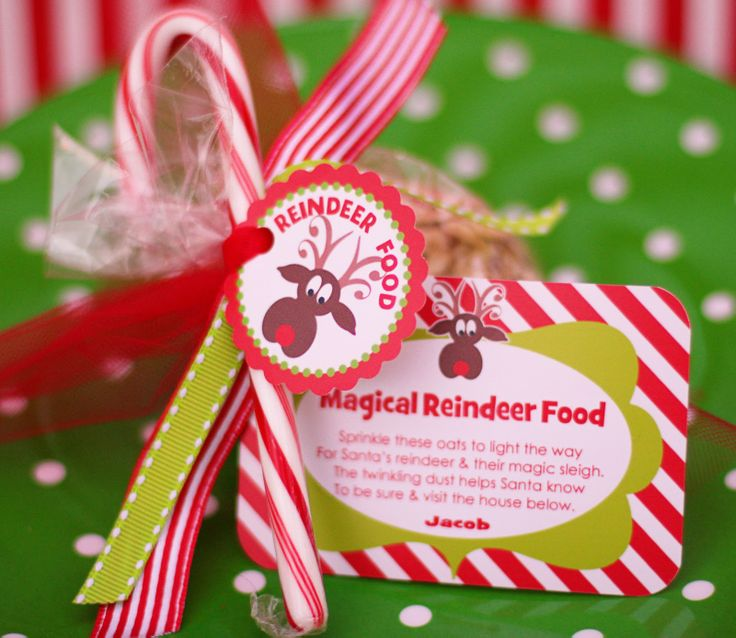 """Reindeer Food: Oatmeal, Christmas colored sugar, Christmas sprinkles & Glitter. Includes FREE Printable Reindeer Food Magical Reindeer Food Instructions: """"Sprinkle on the lawn at night, The moon will make it sparkle bright, As Santa's reindeer fly and roam, This will guide them to your home.""""....such a cute idea"""