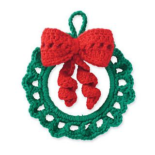 Cedar Lodge Wreath Ornament  pattern by Marie Reyes Tutorial ✿⊱╮Teresa Restegui http://www.pinterest.com/teretegui/✿⊱╮