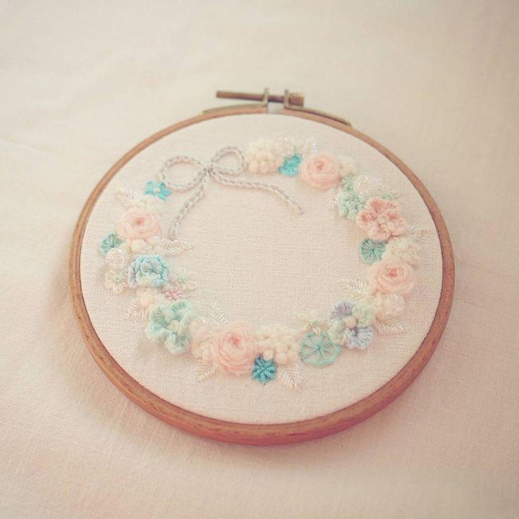 🌹🌼🌹🌼 꽃자수  #꽃자수 #프랑스자수 #서양자수 #입체자수 #embroidery #woolstitch #수틀 #꽃 #자수타그램 #stitch#러블리 #flower #자수 #handmade #handembroidery