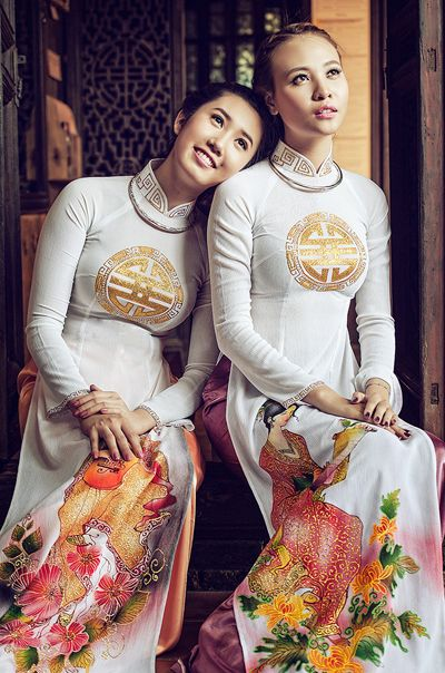 Vietnam beauty in traditional Ao Dai
