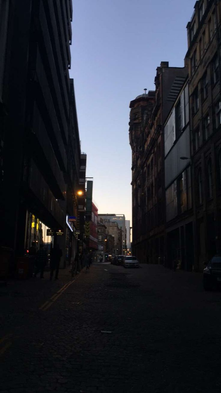 small lane in Glasgow