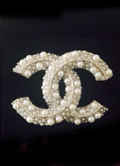 ♔ Chanel brooch
