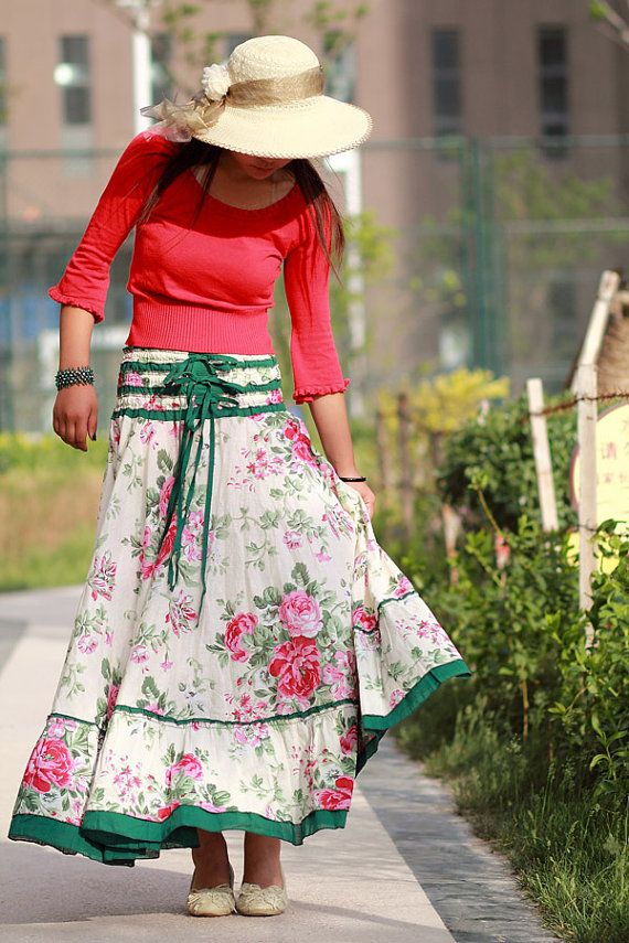 Flowy floral skirt, with solid 3/4 top. Would absolutely love if the skirt was just below knee length