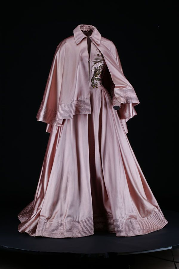 Jacques Fath ball ensemble, 1948 From National Museums Scotland