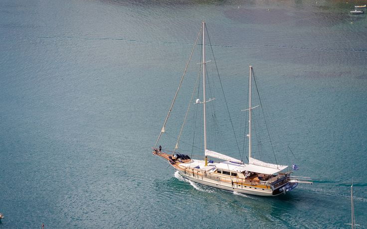 "Name:Aegean Schatz Type:SailYacht, Length:Overall: 30.00m  (98'5""ft), Length at Waterline: 21.72m  (71'3""ft), Beam: 7.20m  (23'7""ft)                           Accommodations:Guests:10, Cabins Total:5 Cabins: 2 Master / 2 Double / 1 Twin ,Crew:5                                                  Cruising Speed:12.00 kts"