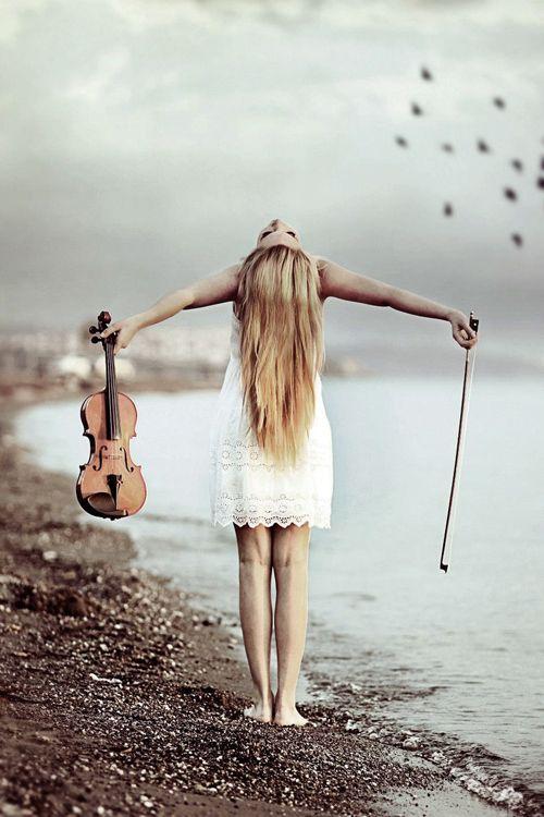 Joué a en sortir de son corps, ne plus être qu'une âmes libre chargé de sentiment.