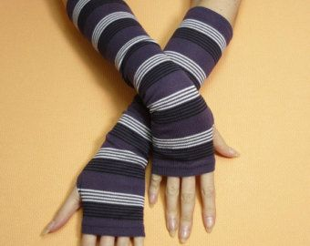 Short Purple Lavender Fingerless Gloves Fresh by littlegallery