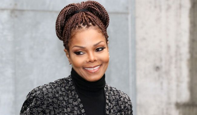 162641583-janet-jackson-attends-the-giorgio-armani-650