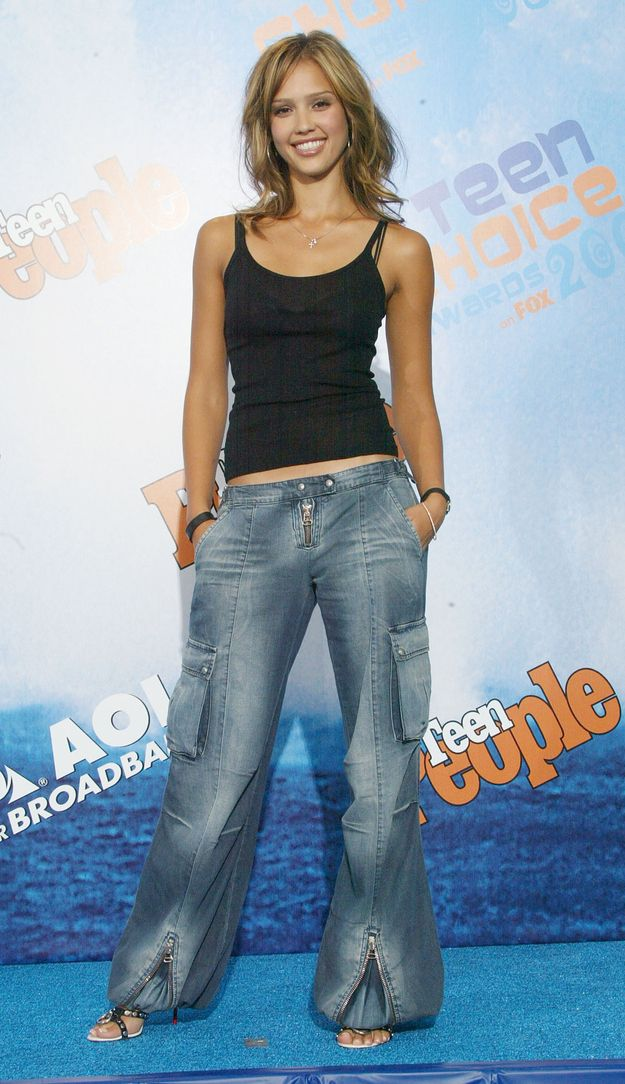 ultra-low-waist cargo convertible-flare faded jeans: the BINGO! of late 90's trends. | 38 Photos From The 2003 Teen Choice Awards That Will Make You Nostalgic