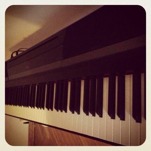 Korg SP-170 digital piano
