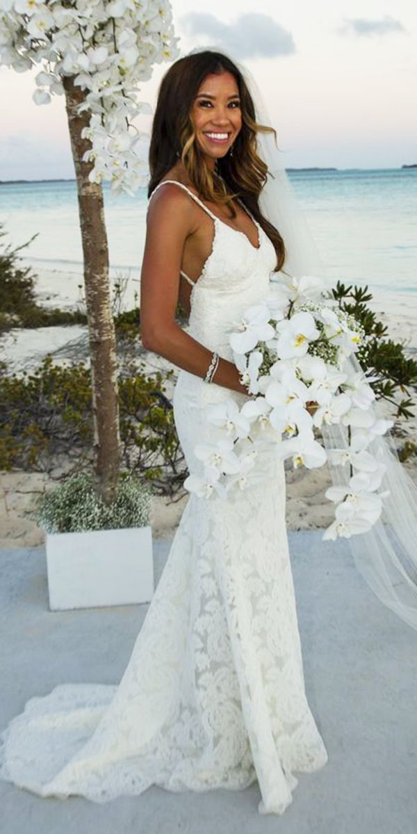 Best 25 Hawaiian wedding dresses ideas on Pinterest  Hawaii beach weddings Beach wedding