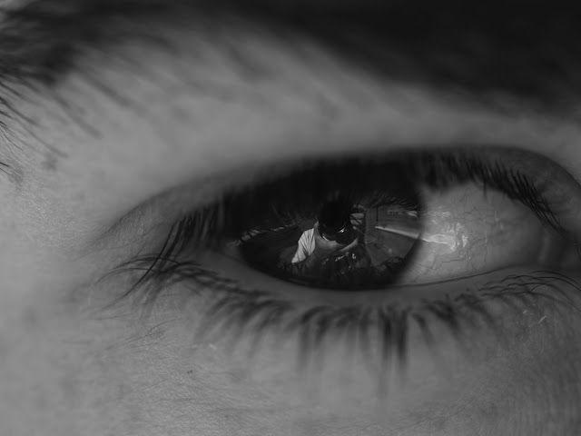 """Atrapados por la imagen: Desafió mensual tema: """"La Mirada"""".Auto retrato en ..."""