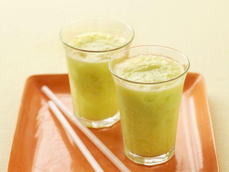 Ananas-Melonen-Shake - smarter - Zeit: 15 Min. | eatsmarter.de