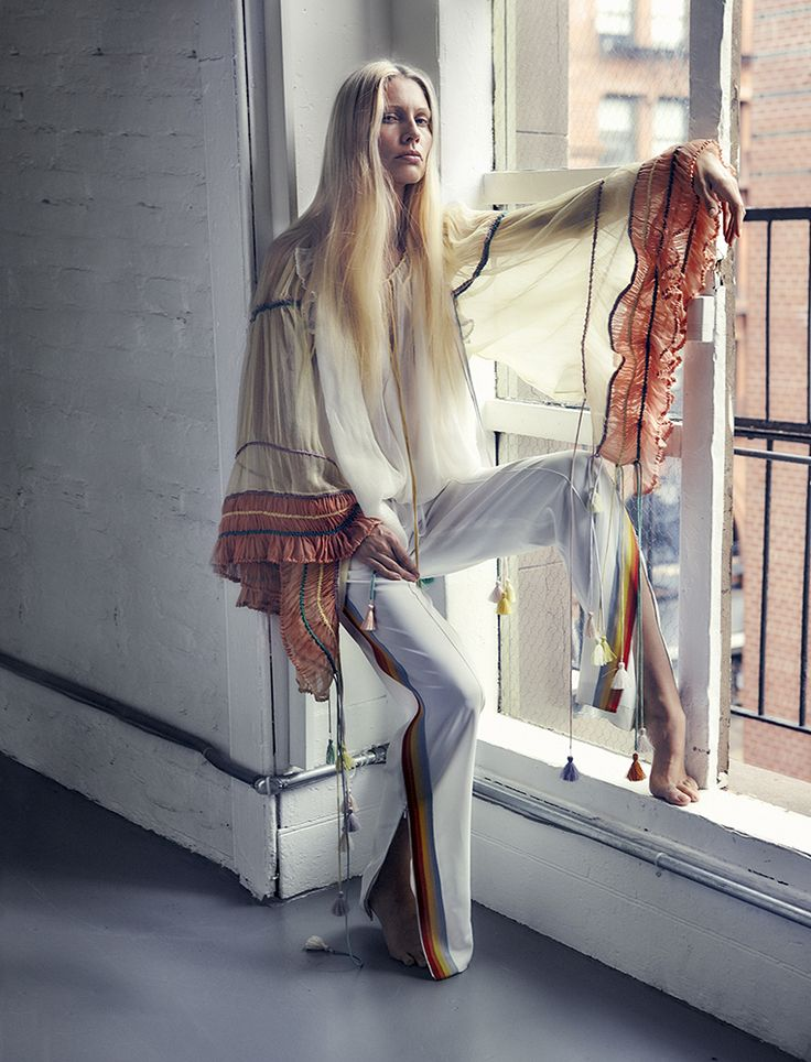 CHLOÉ SPRING/SUMMER 2016 PHOTOGRAPHER: VANINA SORRENTI MODEL: KIRSTY HUME STYLING: AGATA BELCEN HAIR: DENNIS DEVOY MAKE UP: FRANCELLE DALY