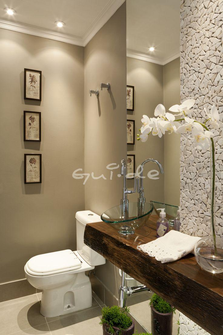 Lavabos Modernos Para Baños Pequenos:lavabo é ampliado com um espelho que vai do teto ao chão