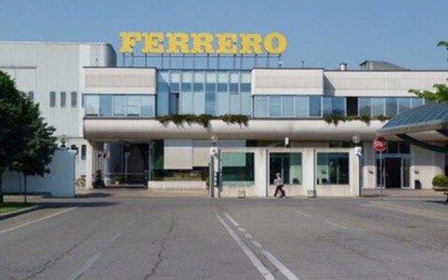 Alla FERRERO Muore dipendente, l'azienda garantisce tre anni di stipendio ai figli #ferrero #lavoro #diritti