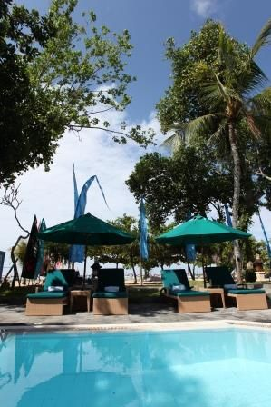 Private pool available for spa guests on the beach at Aroma Spa Retreat Sanur Bali