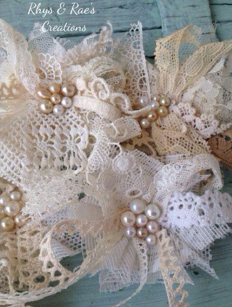 Vintage Lace Fabric Flowers Handmade Lace door RhysandRaesCreations